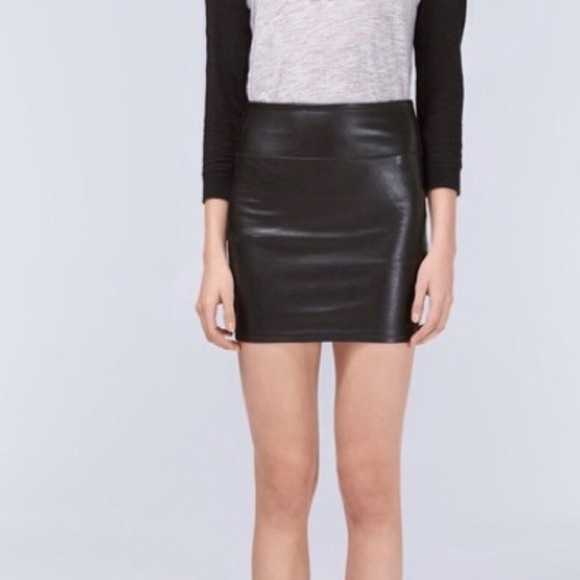 Aritzia Dresses & Skirts - Wilfred Free faux leather skirt (size small)